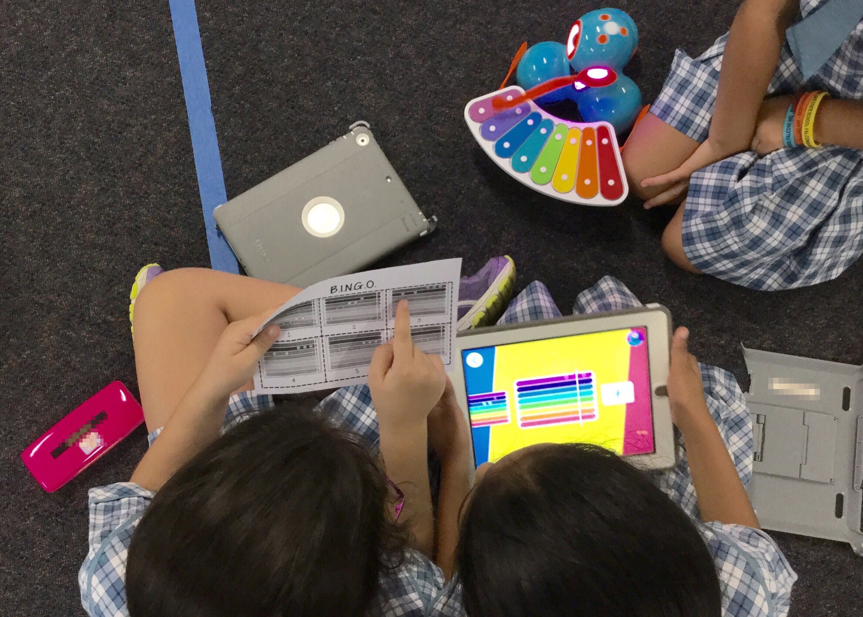 Students program Dash to play B.I.N.G.O. In the Xylo app